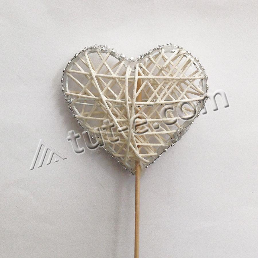 Сердце из ротанга на палочке белое с окантовкой