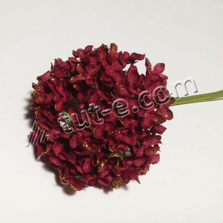 Букет цветов мелкой гортензии бордовой с блеском