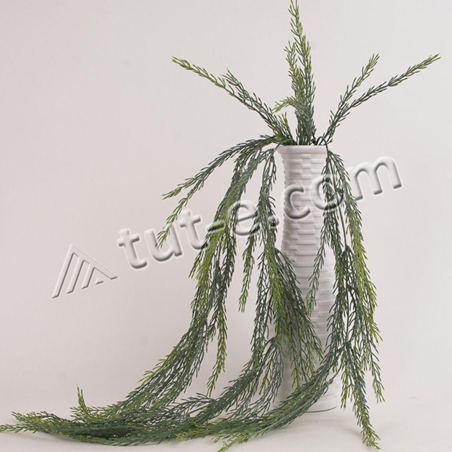 Куст свисающей травы