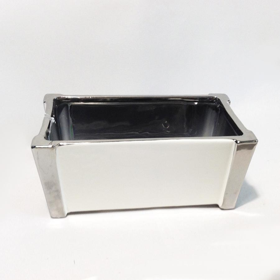Ваза-кашпо керамическая белая с хромированной окантовкой 22х12х9см