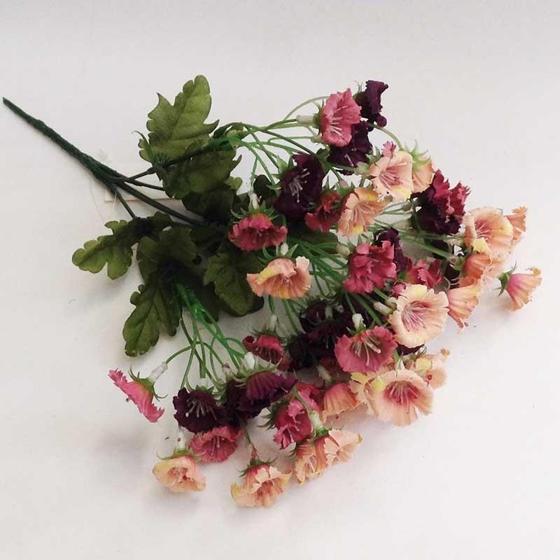 Букетик мелких цветочков