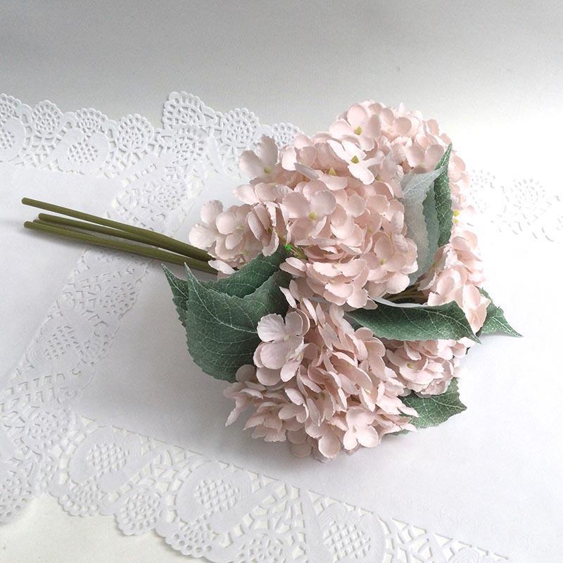 Букетик гортензии  дымчато-розовый